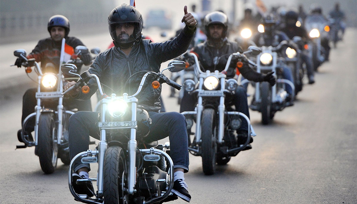 motorcycle-group-ride